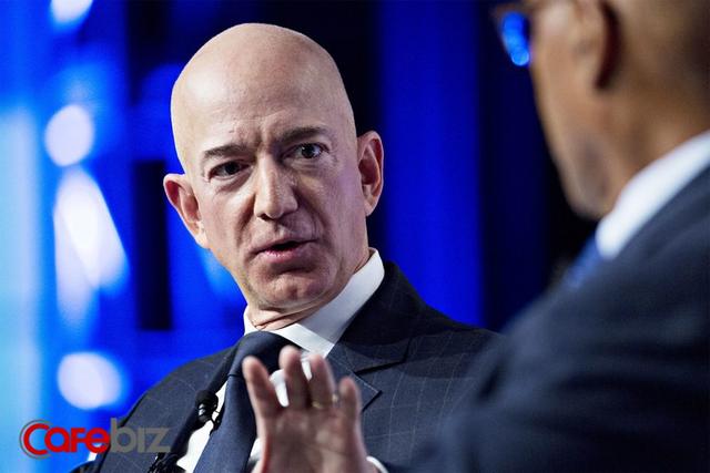 Vì sao những năm 1990, Jeff Bezos cố tình khiến khách hàng điên đầu để tìm ra số hotline chăm sóc khách hàng của Amazon? - Ảnh 1.