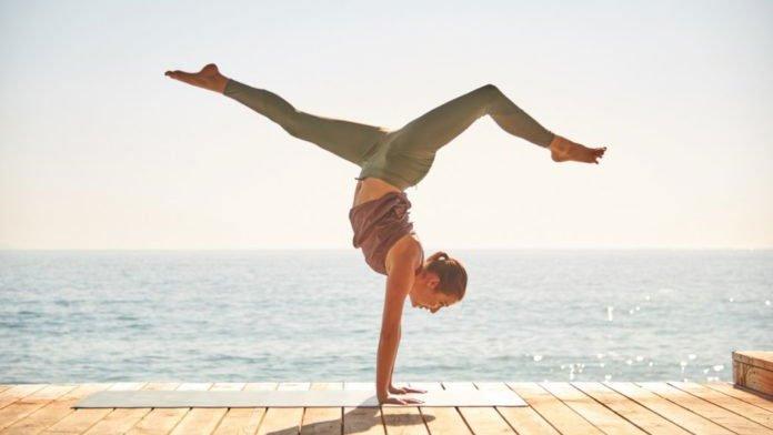 Tập yoga sẽ giúp cho tinh thần bạn thư thái hơn rất nhiều.