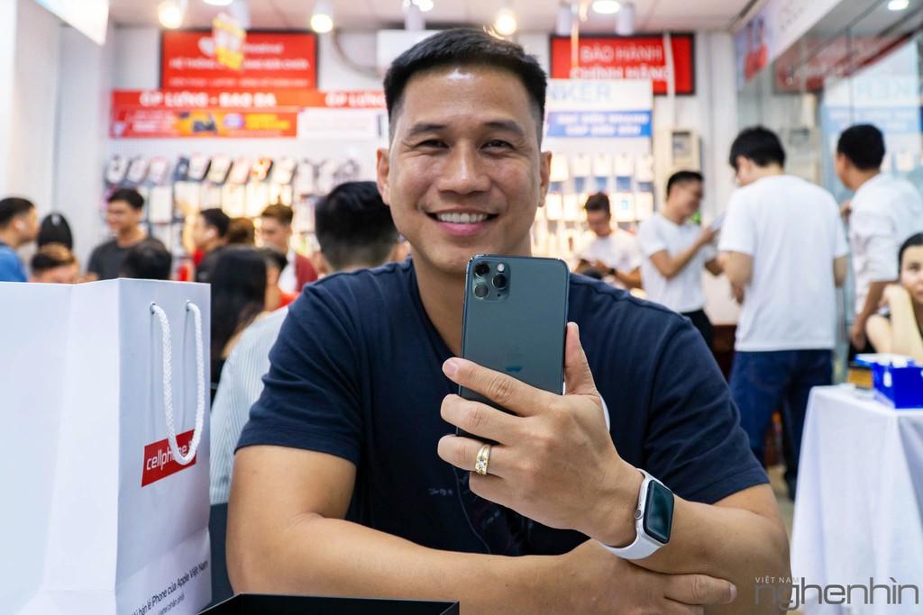 CellphoneS giao iPhone 11 Series chính hãng VN/A đầu tiên rạng sáng 1/11 đến tay người dùng, giá từ 21 triệu ảnh 5