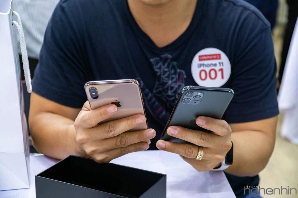 CellphoneS giao iPhone 11 Series chính hãng VN/A đầu tiên rạng sáng 1/11 đến tay người dùng, giá từ 21 triệu ảnh 6