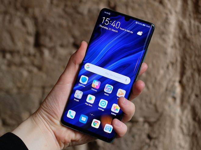Nhieu smartphone giam gia manh dau nam 2020 tai Viet Nam hinh anh 2 p30proscreeeen.jpg