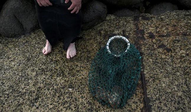Ông Rodney Dillon cùng với bộ đồ lặn của mình.