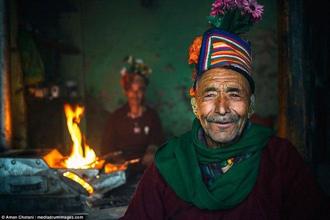 Cận cảnh cuộc sống của bộ lạc Himalaya có tập tục đổi vợ tự do