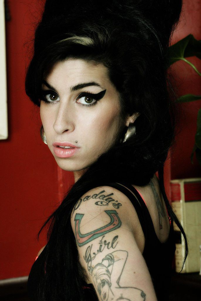 """Viên ngọc quý của xứ sở sương mù Amy Winehouse  sáng tác xuất sắc với album đầu tay """"Frank""""  ảnh 3"""
