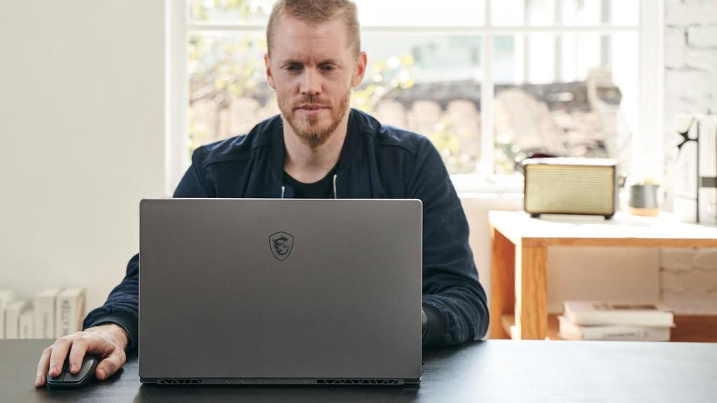 MSI Creator 17 lên kệ: laptop màn hình Mini LED đầu tiên, giá 3.256 USD ảnh 1