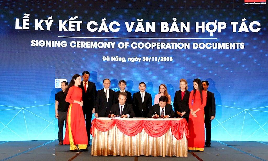 """VNPT """"bắt tay"""" EON Reality lập Trung tâm kỹ thuật số tương tác thực tế ảo tại Việt Nam"""