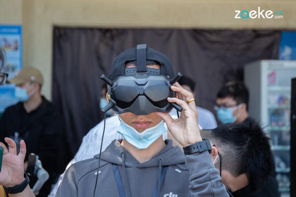 DJI công bố máy bay không người lái đua góc nhìn thứ nhất FPV đầu tiên ảnh 10