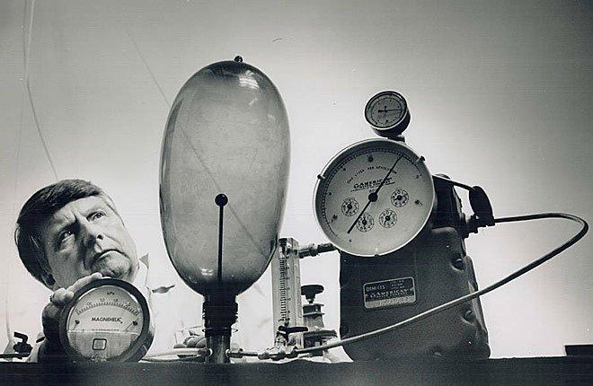 Thử nghiệm bao cao su năm 1990.