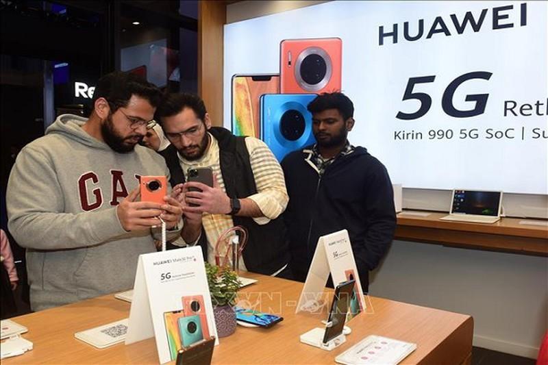 Huawei cong bo tang truong doanh thu vung chac trong nam 2019
