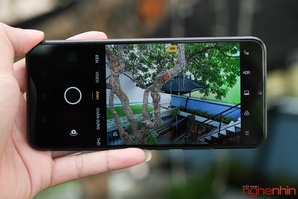 Trên tay Realme C11 smartphone giá rẻ dưới 3 triệu pin 5000 mAh, camera kép ảnh 7