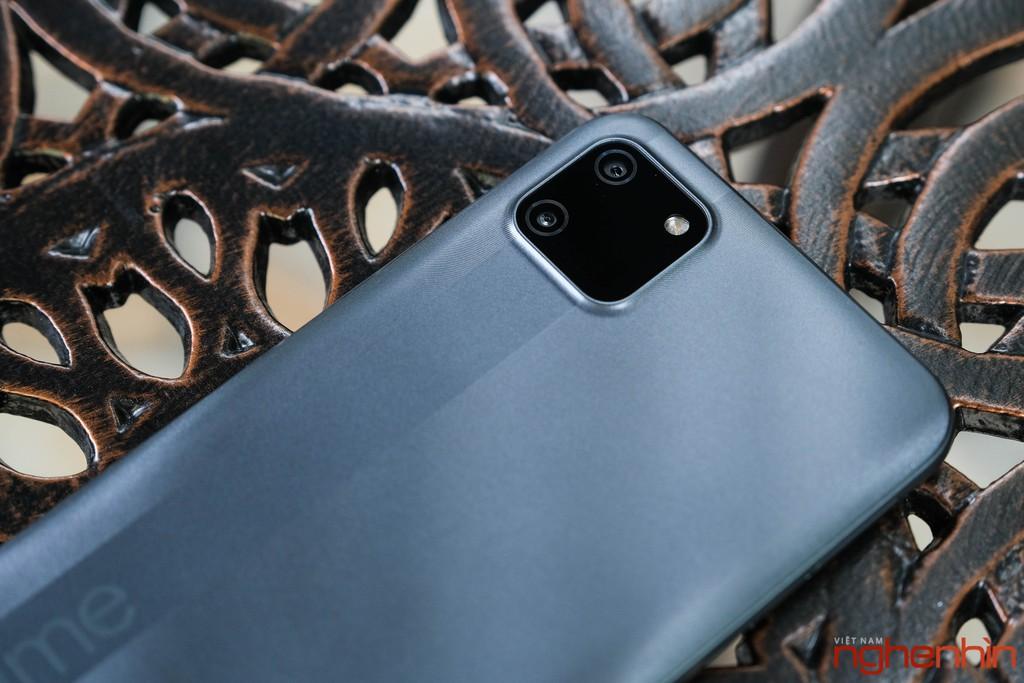 Trên tay Realme C11 smartphone giá rẻ dưới 3 triệu pin 5000 mAh, camera kép ảnh 10