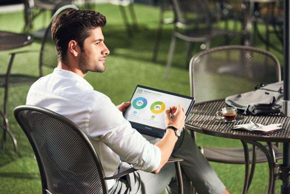 ASUS ra mắt những laptop ZenBooks mới nhất: màn hình OLED, CPU Intel Tiger Lake ảnh 2