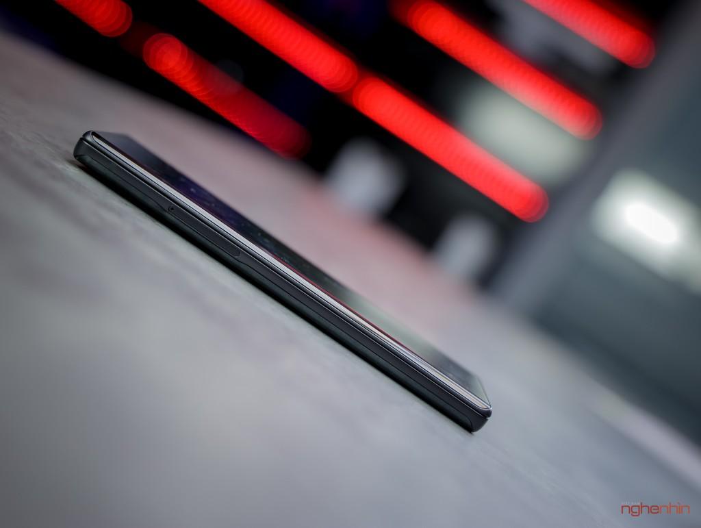 Trên tay LG Wing tại Việt Nam: màn hình xoay chữ T siêu dị  ảnh 4