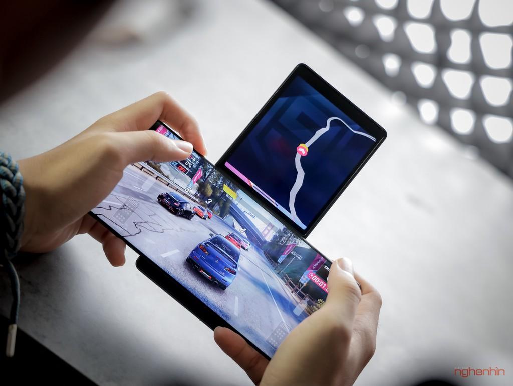 Trên tay LG Wing tại Việt Nam: màn hình xoay chữ T siêu dị  ảnh 7
