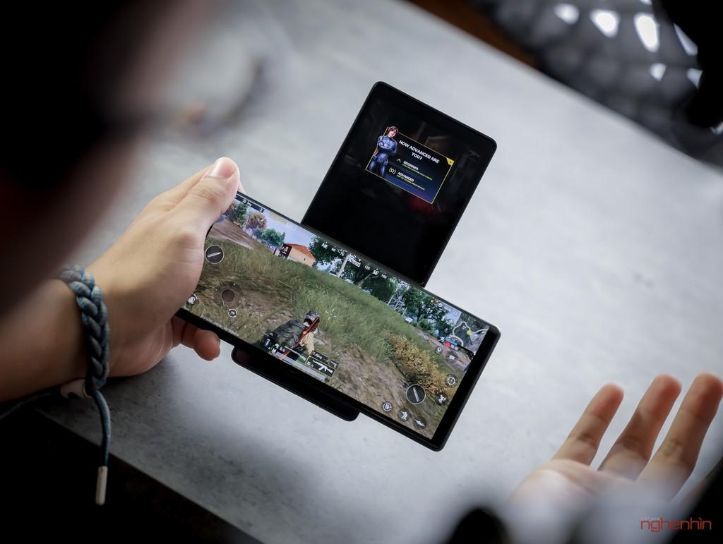 Trên tay LG Wing tại Việt Nam: màn hình xoay chữ T siêu dị  ảnh 8