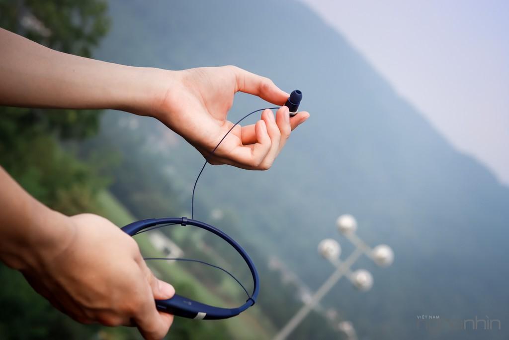 Đánh giá tai nghe bluetooth stereo LG Tone Pro HBS-780: chất ổn, đeo thoải mái, pin lâu ảnh 2