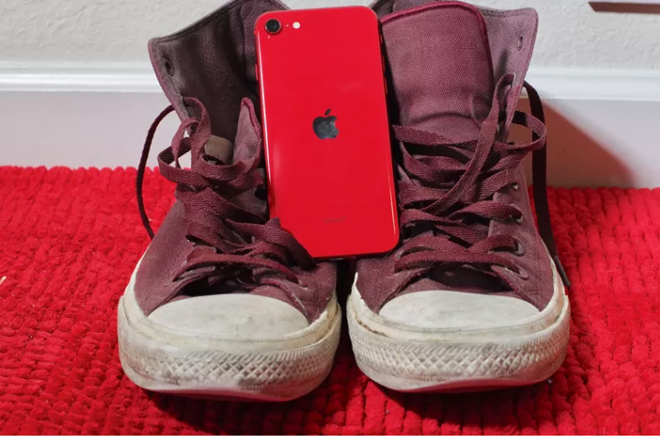 ly do chinh khien the gioi nga nghieng boi iphone se 2020 la day hinh anh 1