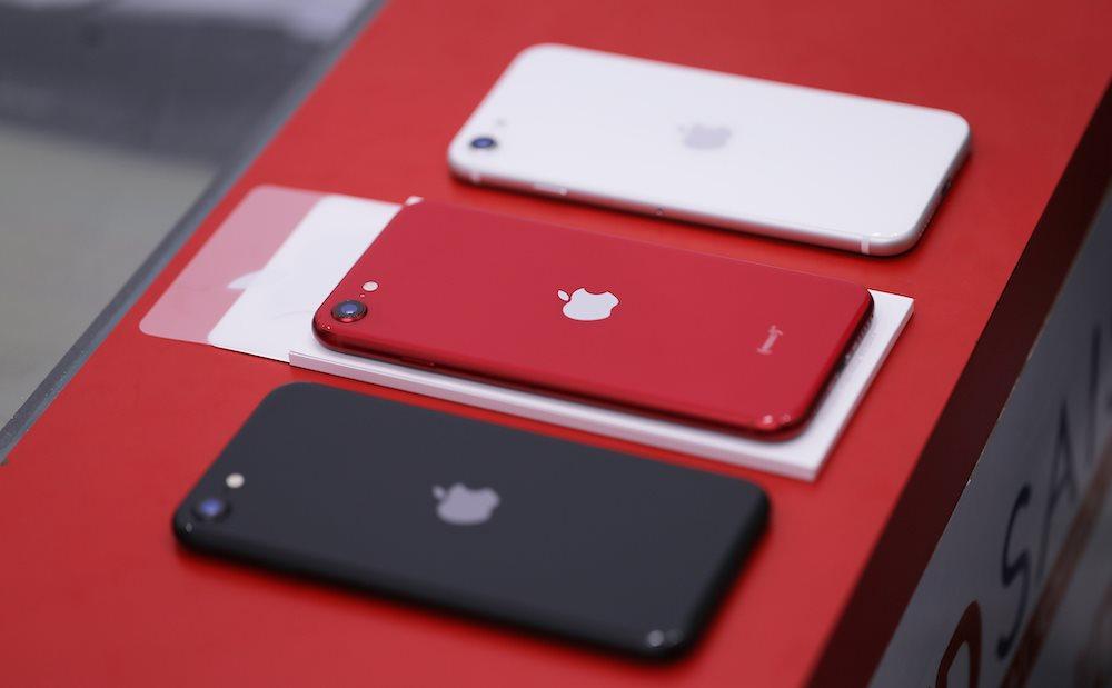 Doanh số iPhone SE 2020 hàng xách tay tại Việt Nam ảm đạm