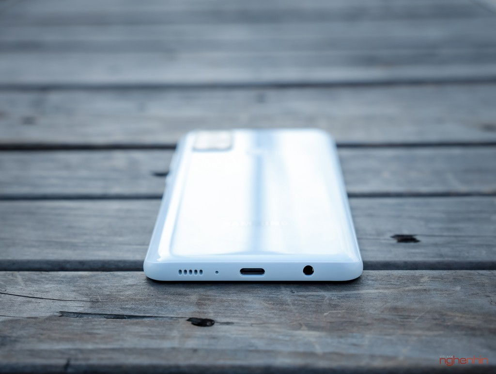 Trên tay smartphone giá rẻ Galaxy A21s nhưng có 4 camera, pin 5.000 mAh  ảnh 4