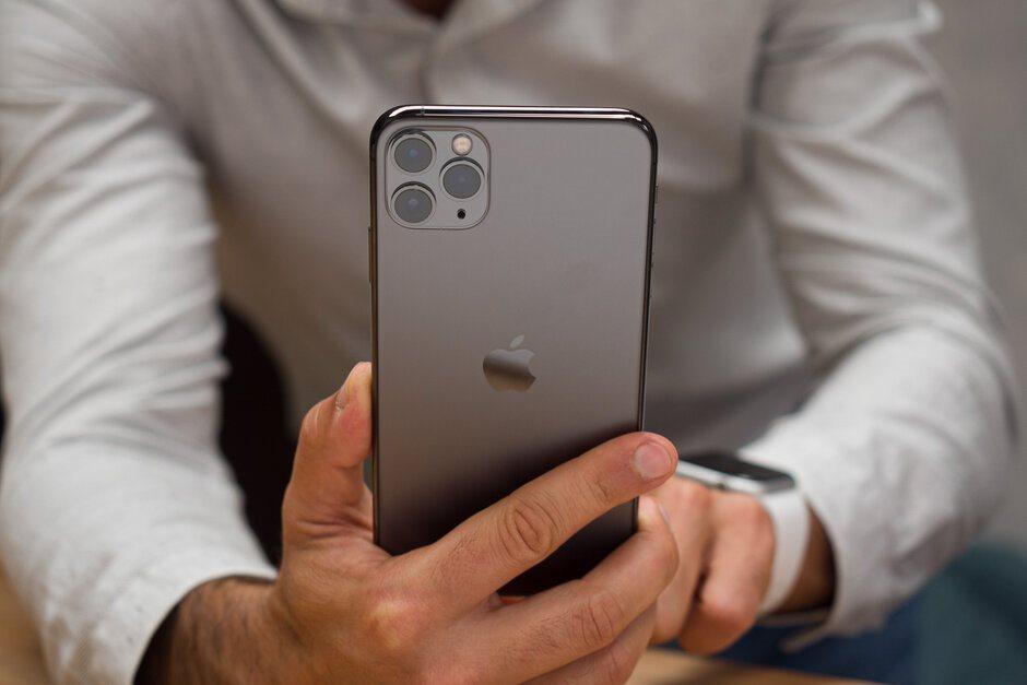 Tại sao Apple không tích hợp chế độ chụp ảnh ban đêm trên iPhone đời cũ?