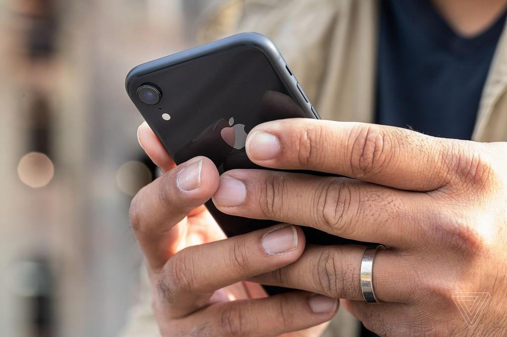 Sao phải mua iPhone cũ khi Realme 7 Pro ngon hơn ảnh 5