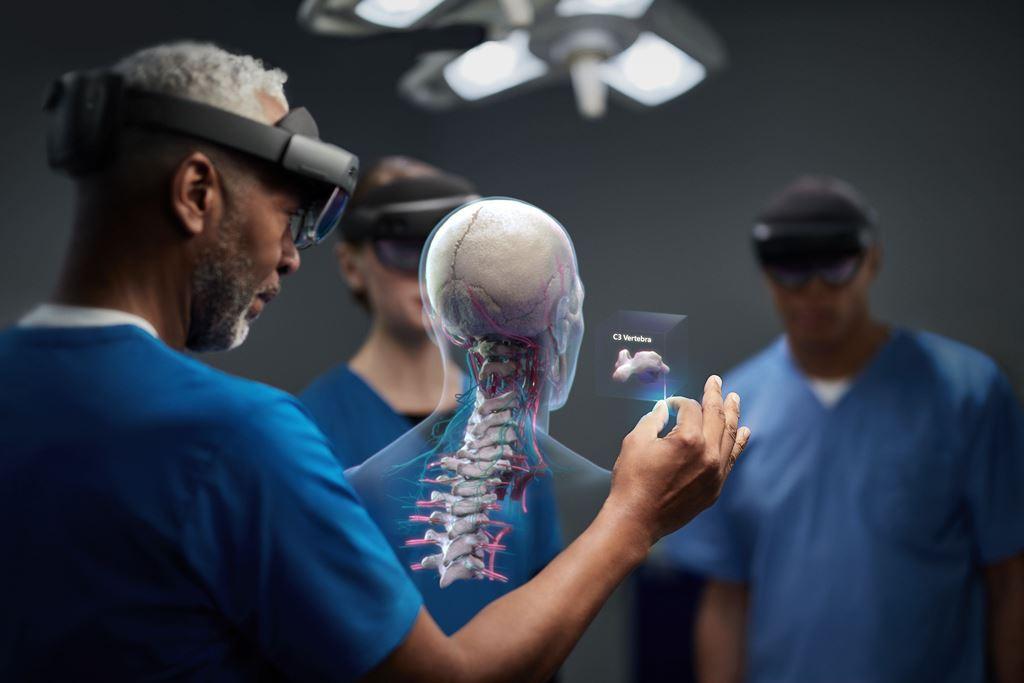 """HoloLens 2 – Chiếc tai nghe kiêm kính thực tế ảo """"sang chảnh"""" của Microsoft ảnh 2"""