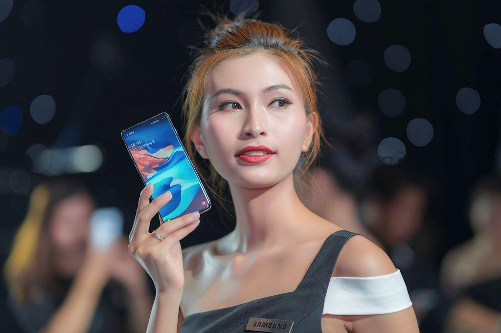 CellphoneS chính thức dừng đặt mua Galaxy S10/S10+ khi vượt hơn 5.000 suất  ảnh 3