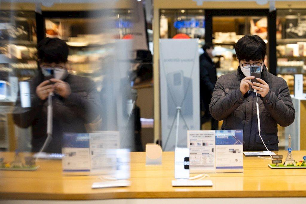 Covid-19 sẽ thay đổi vĩnh viễn cách chúng ta mua sắm thiết bị điện tử?