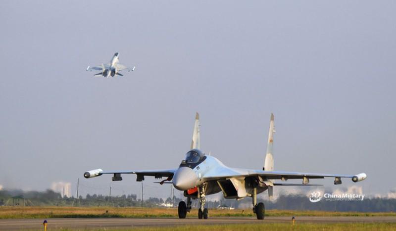 Dao Dai Loan phu nhan thong tin ban ha chien dau co Su-35 Trung Quoc