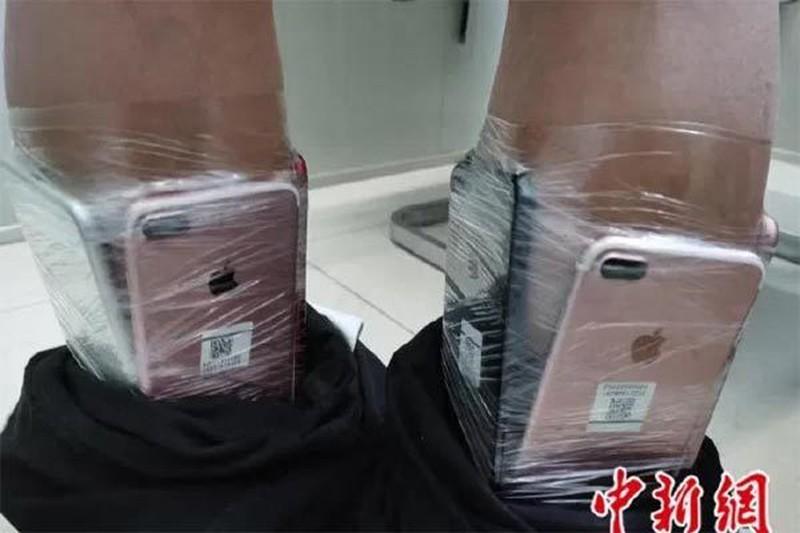 Chieu tro buon lau iPhone cuc doc di, canh sat