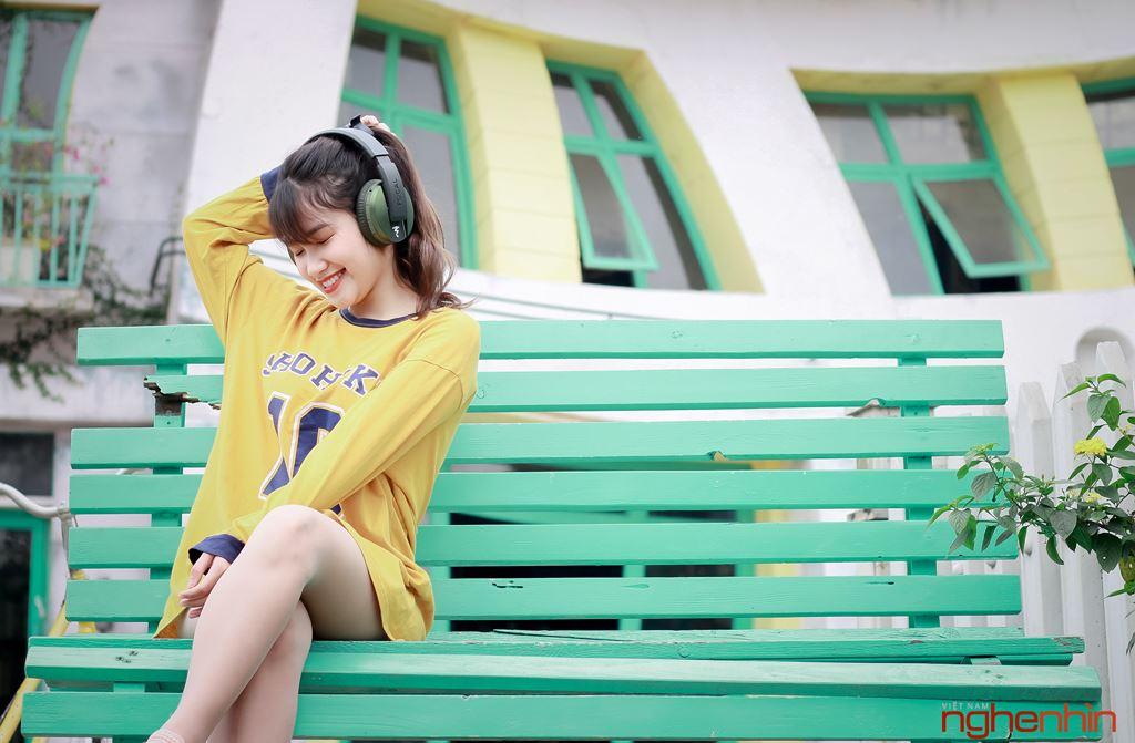 Focal Listen Wireless Chic thời trang, cá tính bên bóng hồng  ảnh 1