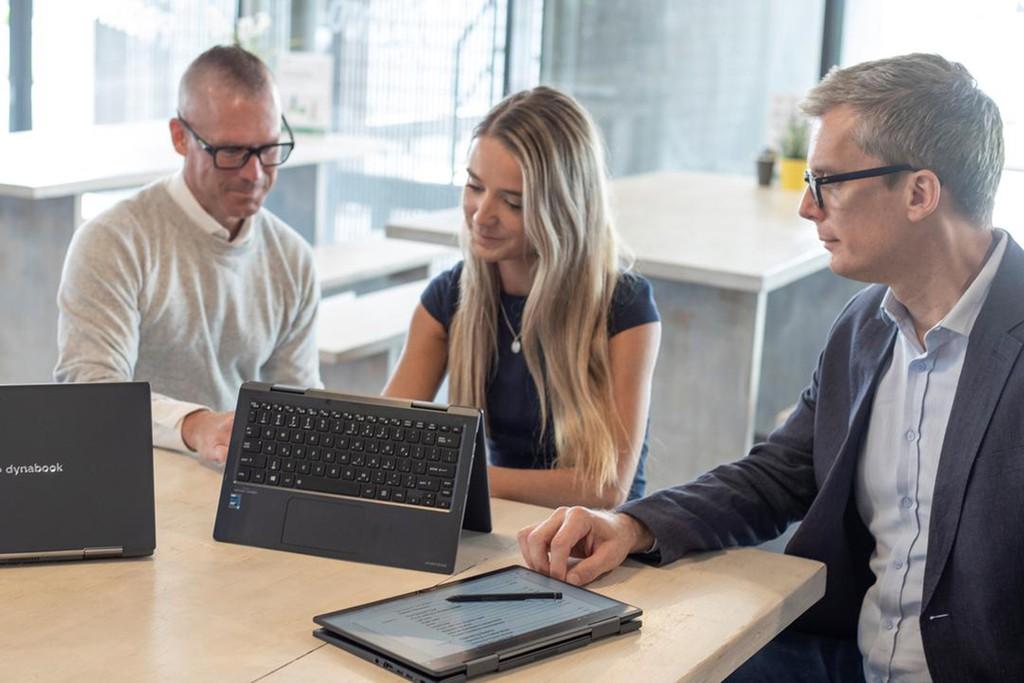 Top laptop ấn tượng cho doanh nghiệp ảnh 2