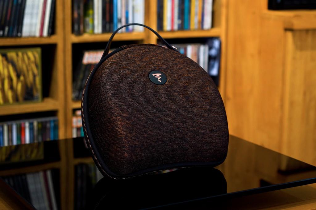 Trên tay Focal Radiance phiên bản Bentley - Headphone hi-end chế tác theo tiêu chuẩn siêu sang ảnh 2