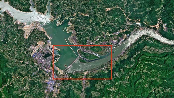Đập Tam Hiệp là đập thủy điện lớn nhất thế giới, chặn trên sông Dương Tử dài nhất Trung Quốc.