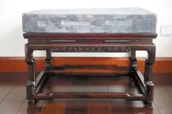 Viên gạch vàng được trưng bày trong bảo tàng Cố cung, Bắc Kinh, Trung Quốc