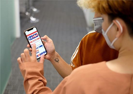 Thế hệ Z Việt có chăng đang sống quá dựa dẫm vào công nghệ?