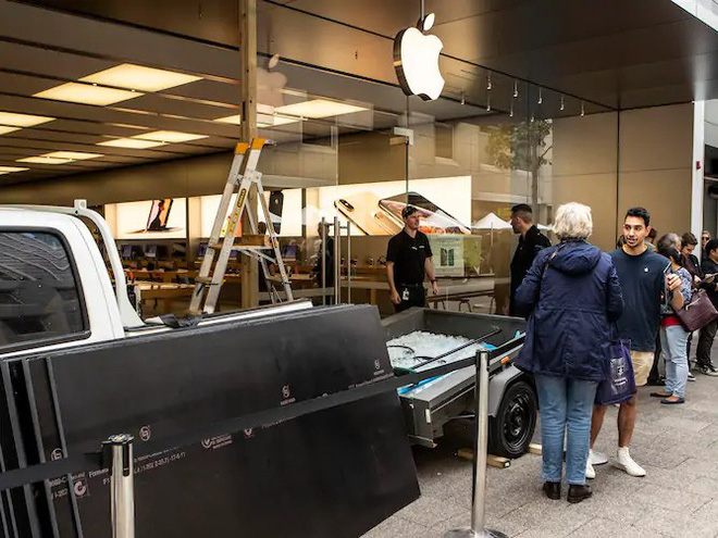 Hí hửng trộm số iPhone trị giá 4,5 tỷ, lũ cướp táo tợn chắc chắn không biết về cạm bẫy này của Apple - Ảnh 2.