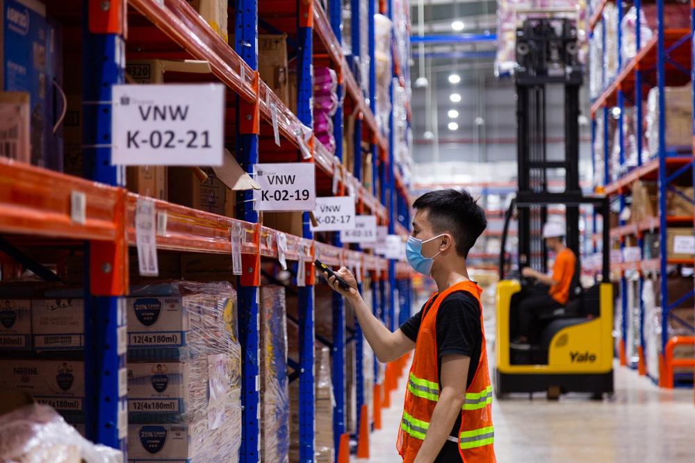 Doanh nghiệp tăng tốc đón đầu mùa mua sắm cuối năm