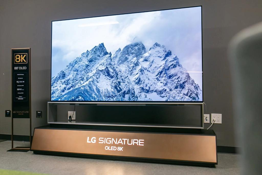 LG ra mắt TV OLED 8K lớn nhất thế giới, màn 88 inch giá hơn 800 triệu ảnh 1