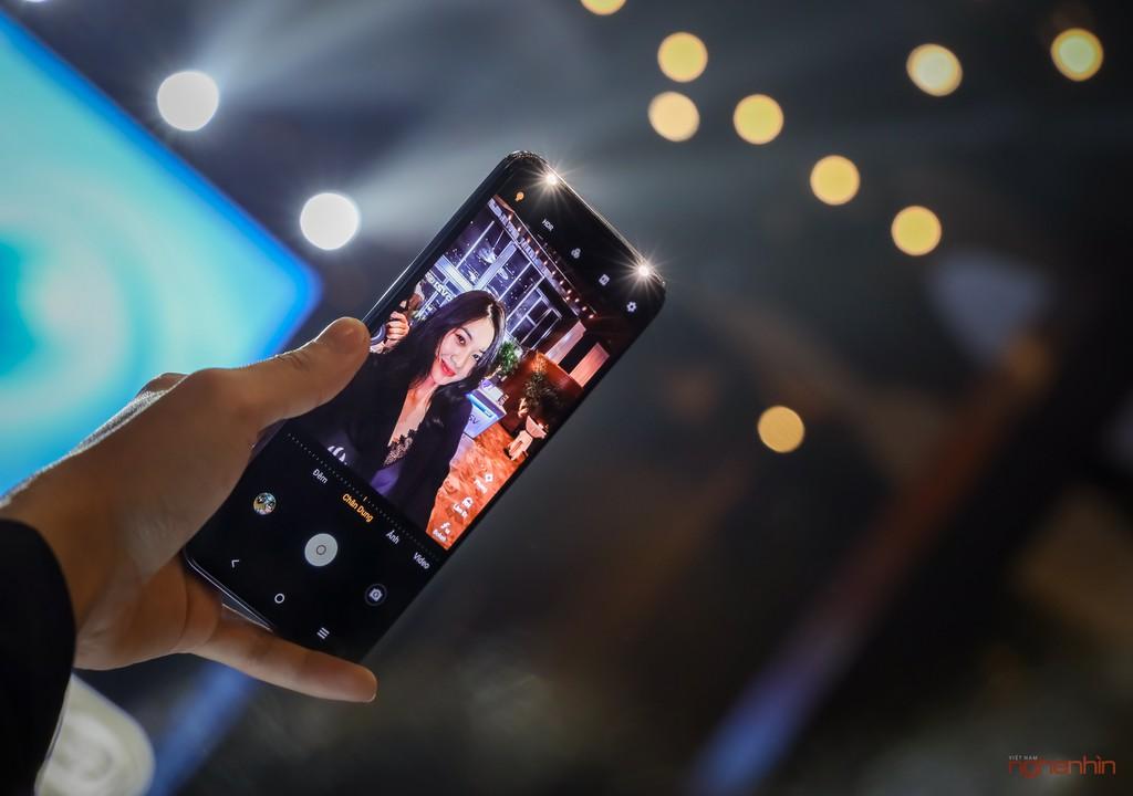 vivo V21 5G ra mắt người dùng Việt giá 10 triệu tặng kèm quà 1,5 triệu ảnh 2