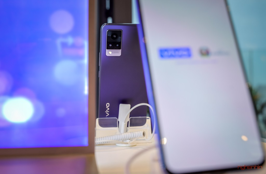vivo V21 5G ra mắt người dùng Việt giá 10 triệu tặng kèm quà 1,5 triệu ảnh 5