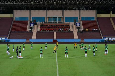 U23 Myanmar mac ao cong nghe cao, tap cung day khang luc hinh anh 1
