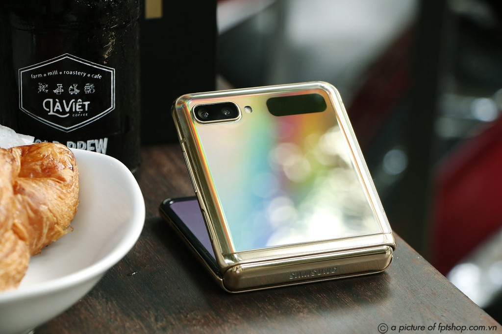 FPT Shop giảm đến 11 triệu đồng và nhân đôi bảo hành cho điện thoại Samsung ảnh 2