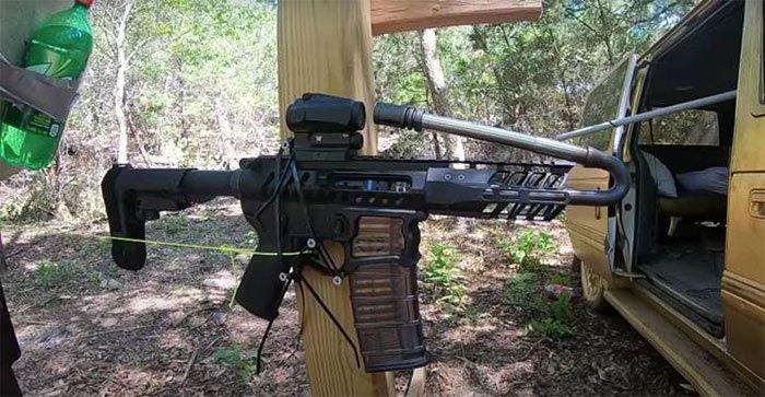 Bẻ cong nòng súng có thể làm chuyển hướng viên đạn, thật hay đùa?