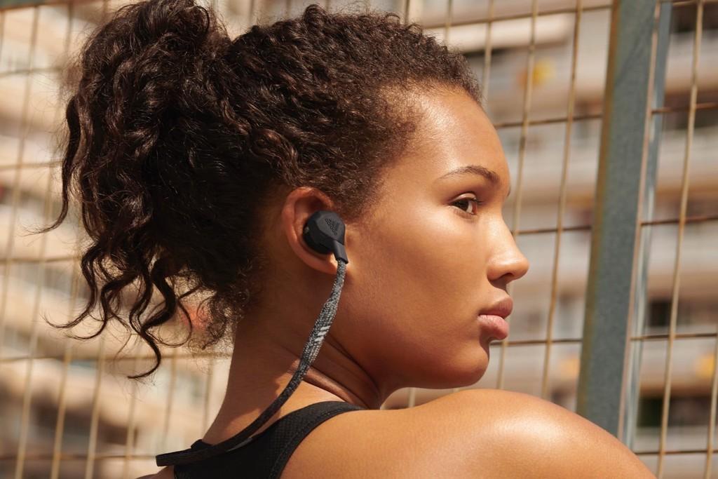 IFA 2019: Adidas FWD-01 và RPT-01 tai nghe không dây cho dân thể thao ảnh 1
