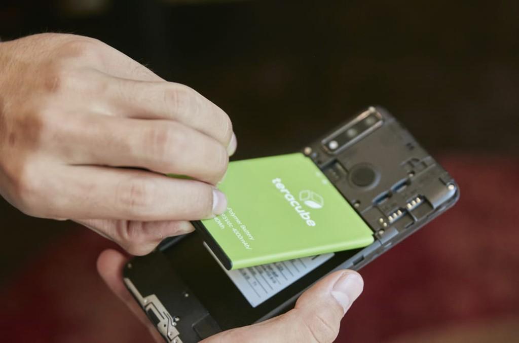 Smartphone của Mỹ bảo hành 4 năm chỉ 2,3 triệu đồng ảnh 2