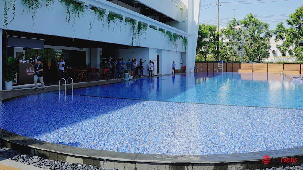 Văn phòng hoành tráng xịn xò của công ty công nghệ Việt Nam: Cây xanh bao la, quán cà phê, hồ bơi, phòng gym, tha hồ tụ tập