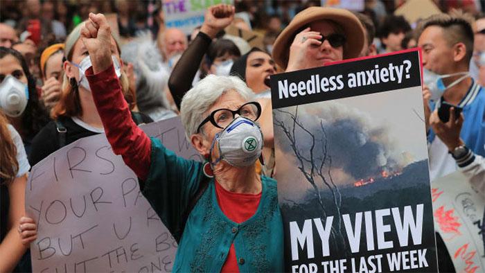 Người dân xuống đường tuần hành chống biến đổi khí hậu ở Sydney tháng 12/2019