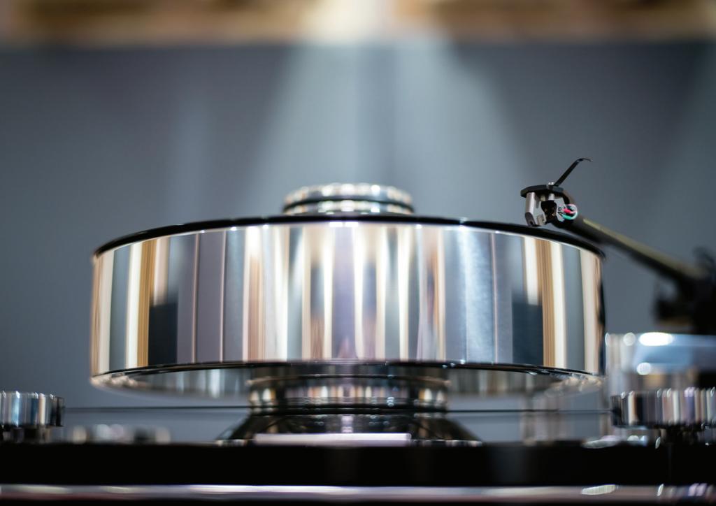Transrotor ZET 3 Twin Motor TMD - Mâm than tham chiếu ấn tượng mức 10.000USD ảnh 2