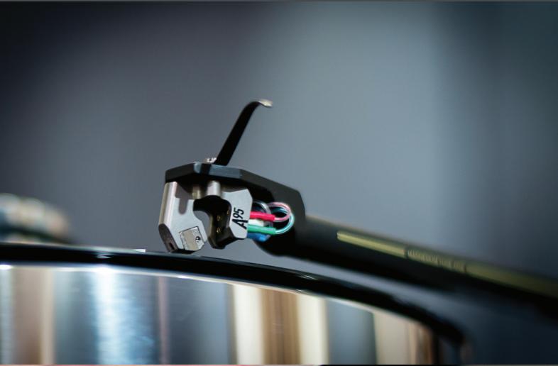 Transrotor ZET 3 Twin Motor TMD - Mâm than tham chiếu ấn tượng mức 10.000USD ảnh 3